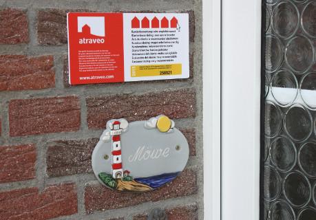 Bild Nr 5 - Plakette bei einem Ferienhaus in Ostfriesland