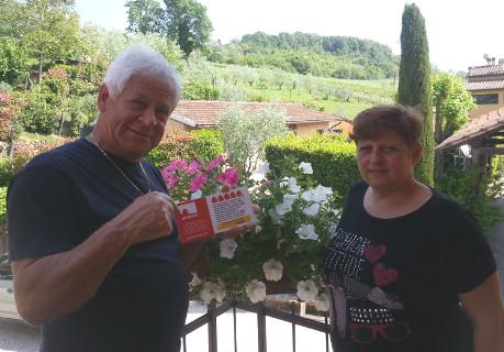 Bild Nr 12 - Die Vermieter der Ferienwohnung Nr. 2763235 in der Toskana zeigen stolz ihre Plakette